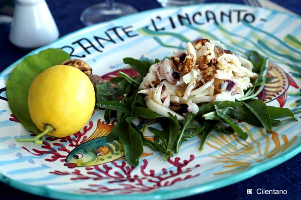 Lamelle di seppie con rucola, noci e emulsione al limone